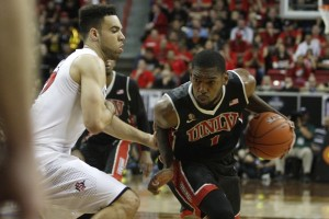 UNLV forward Roscoe Smith drives to the basket in the second half of UNLV's MWC semifinal game against San Diego St.